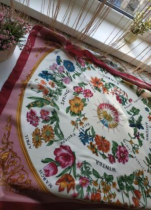 Брендовый шёлковый платок в цветочный принт