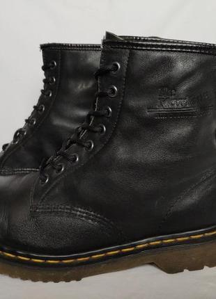 Ботинки dr. martens. размер 42