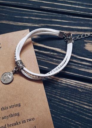 Стильный белый бархатный модный браслет с подвеской