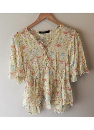 Блуза блузка топ футболка в цветочек на шнуровке zara