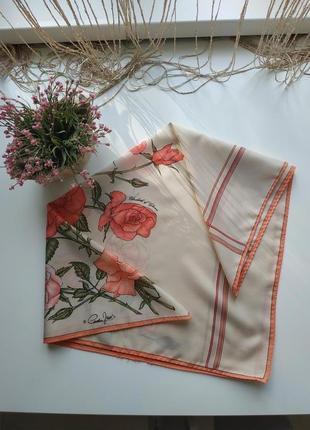 Шелковый платок в цветочный принт