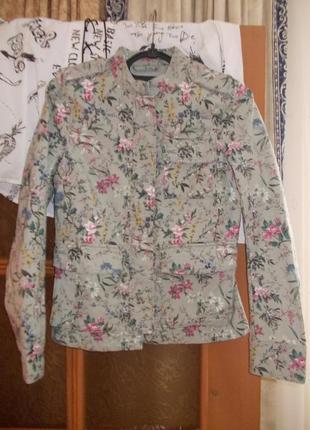 В наличии модная куртка пиджак в цветочный принт фирма h&m