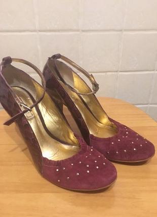 Нарядные туфли цвета марсала  на модном небольшом каблучке