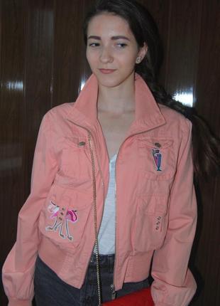 Розовая кораловая куртка оверсайз бойфренд rebel c нашивками