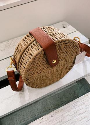 Трендовая круглая соломенна сумка в наличии2 фото