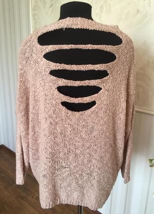 Стильный свитер букле с интересной спинкой, размер 50-52-54.
