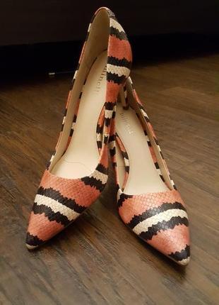 Шикарные туфли minelli 38 р.