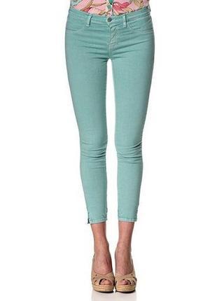 Укороченные брюки мятного цвета