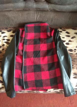Класна куртка-накидкп