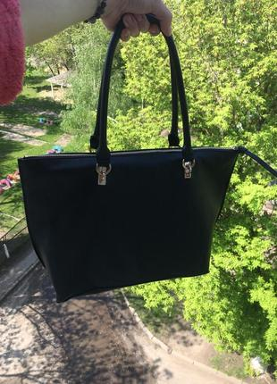 Класична чорна сумка на кожен день❤️