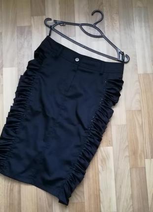 Стильная чёрная юбка