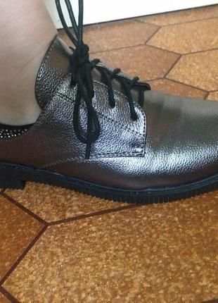 Женские кожаные туфли на шнурках