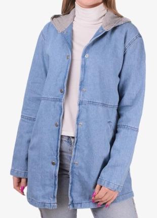 Стильная джинсовая куртка джинсовка кардиган джинсовый с пайетками с капюшоном с надписью