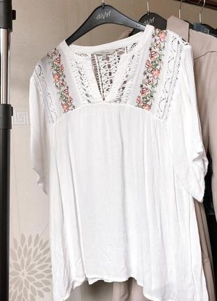 Белая блуза с вышивкой и ажурными вставками peacocks