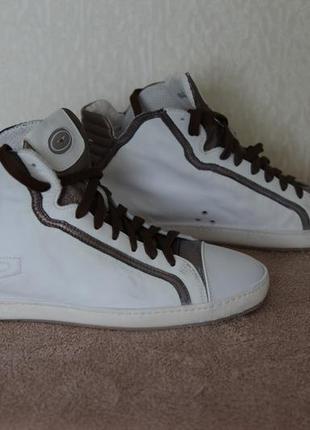 Высокие кожаные кеды кроссовки сникеры alberto guardiani. италия