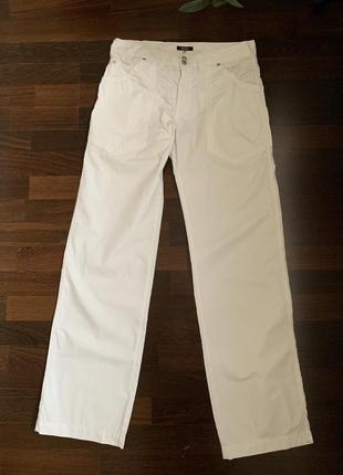 Брюки мужские versace белого цвета.