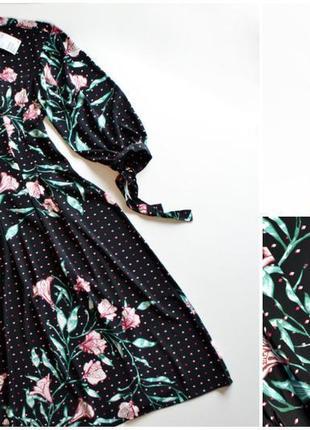 Роскошное черное платье в цветочный принт