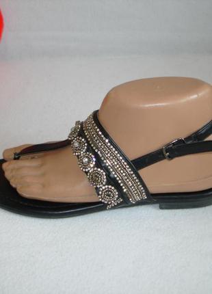 Красивые с стразами босоножки бренд graceland