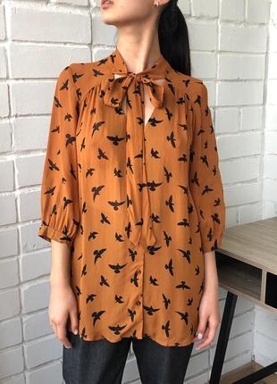 Горчичная шифоновая легкая летняя блузка рубашка с бантом ласточками asos s с