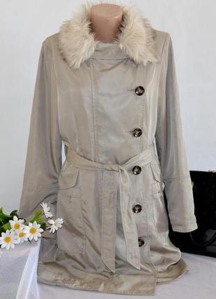 Брендовая бежевая куртка с меховым воротником и поясом john rocha синтепон