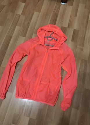Яркая ветровка куртка ветровка спортивная дождевик
