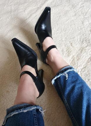 Шикарные кожаные туфли натуральная кожа