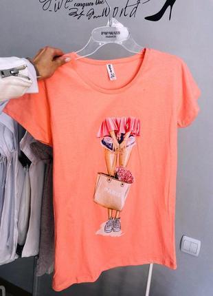 Кораловая футболка из хлопка