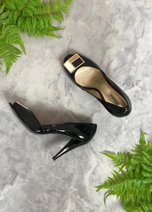 Лаковые туфли-лодочки с открытым носочком  sh1919020  dune