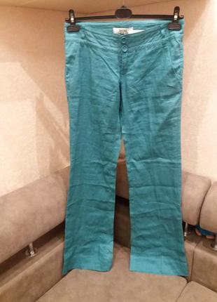Яркие широкие брюки бренд bershka. 10/12р. лен100%