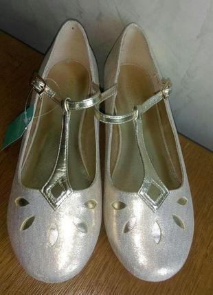 Красивые золотые туфли  с напылением на торжество 37 размера2 фото