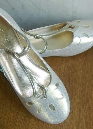 Красивые золотые туфли  с напылением на торжество 37 размера1 фото