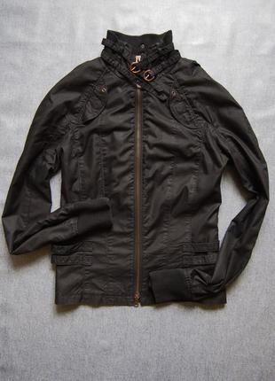 Шикартая куртка пиджак на молнии armani exchange
