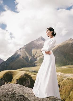 Элегантное свадебное платье1 фото
