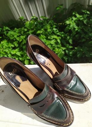 Туфли от dolce&gabbana. натуральная кожа. d&g