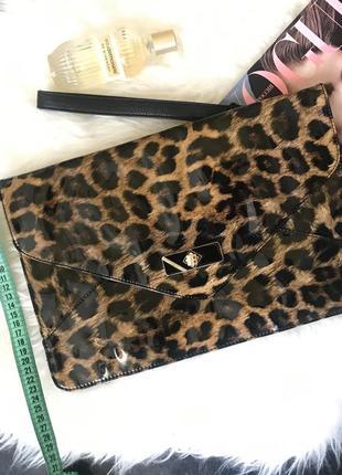 Сумка клатч леопардовий принт. лак