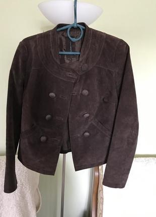 Замшевая темно- коричневая куртка