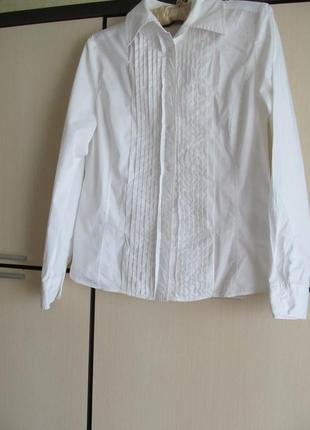 Красивая классическая  рубашка блуза 40