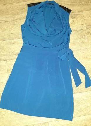Платье на поясе