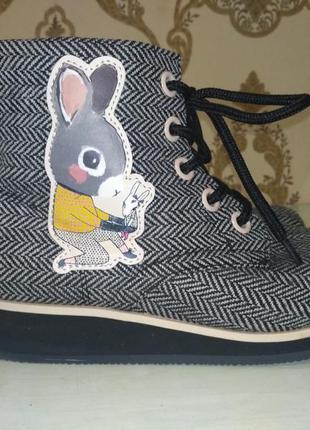 H&m! шикарные моднявые демисезонные ботинки на маленькой танкетке2 фото