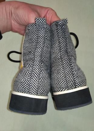 H&m! шикарные моднявые демисезонные ботинки на маленькой танкетке5 фото