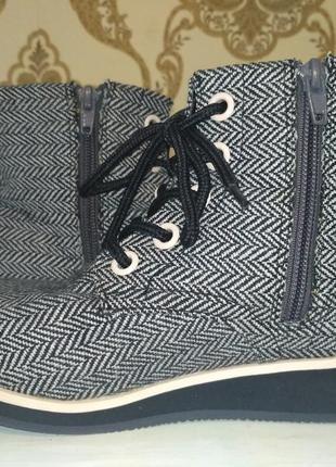H&m! шикарные моднявые демисезонные ботинки на маленькой танкетке7 фото