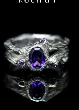 Невероятное серебряная кольцо известного бренда с аметистом