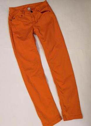 Стильные яркие джинсы  zara kids на 9-10 лет