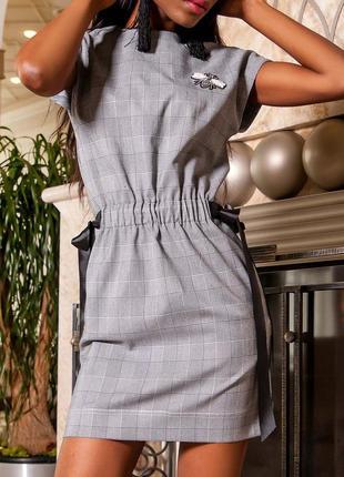Женское стильное оригинальное платье в клетку с красивыми силуэтными линиями (s, m, l, xl)