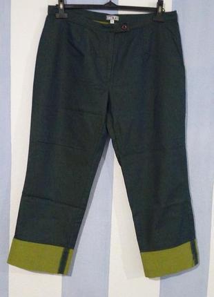 Літні укорочені джинси з манжетом стан нових