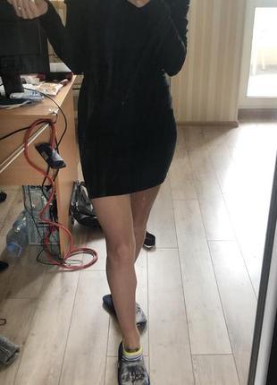 Платье с открытыми плечами ангора