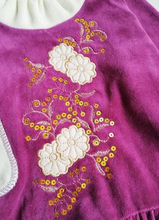 Нарядное бархатное велюровое платье с вышивкой и пайетками3 фото