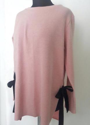 Свитер/кофта нежно-розового цвета с завязками