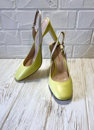 Яркие туфельки carlo pazoline