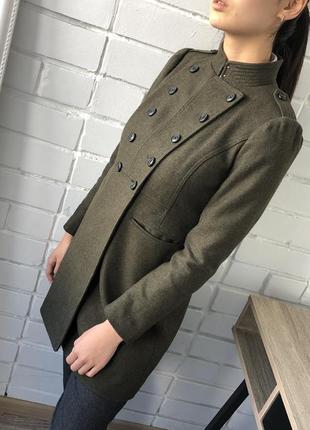 Двубортное шерстяное пальто милитари зеленое хаки тёплое banana republic шерсть италия xxs